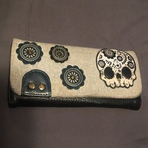 Loungefly skull wallet